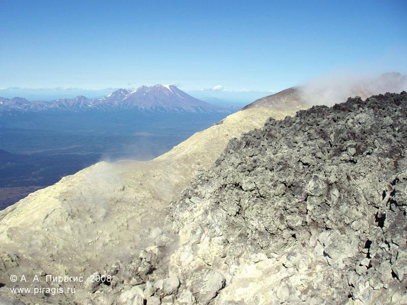 В кратере Авачинского вулкана