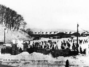 Ледовый каток в центре Петропавловска-Камчатского у Никольской сопки