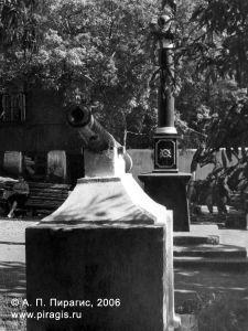 Памятник мореплавателю Витусу Йонассену Берингу в Петропавловске-Камчатском