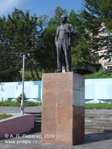 Памятник В. И. Ленину в микрорайоне Сероглазка